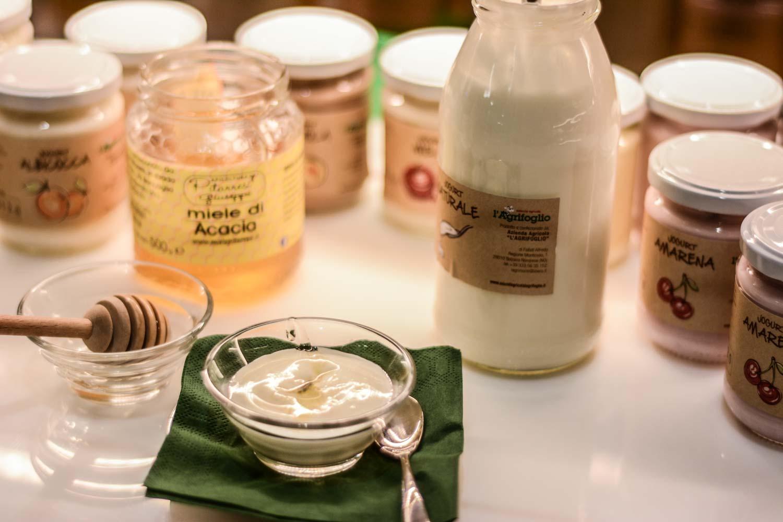 Torniamo alle sane abitudini: degustazione di yogurt!